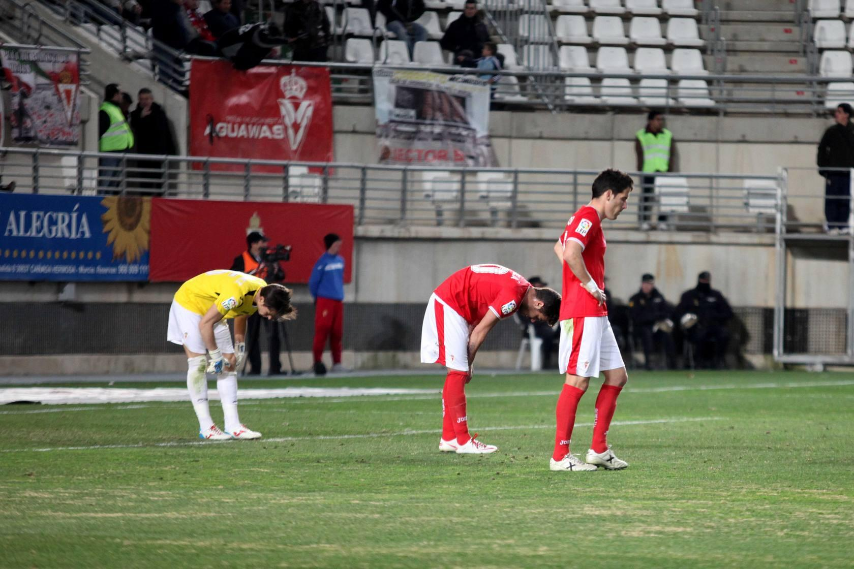 Real Murcia-Recreativo (1-2)