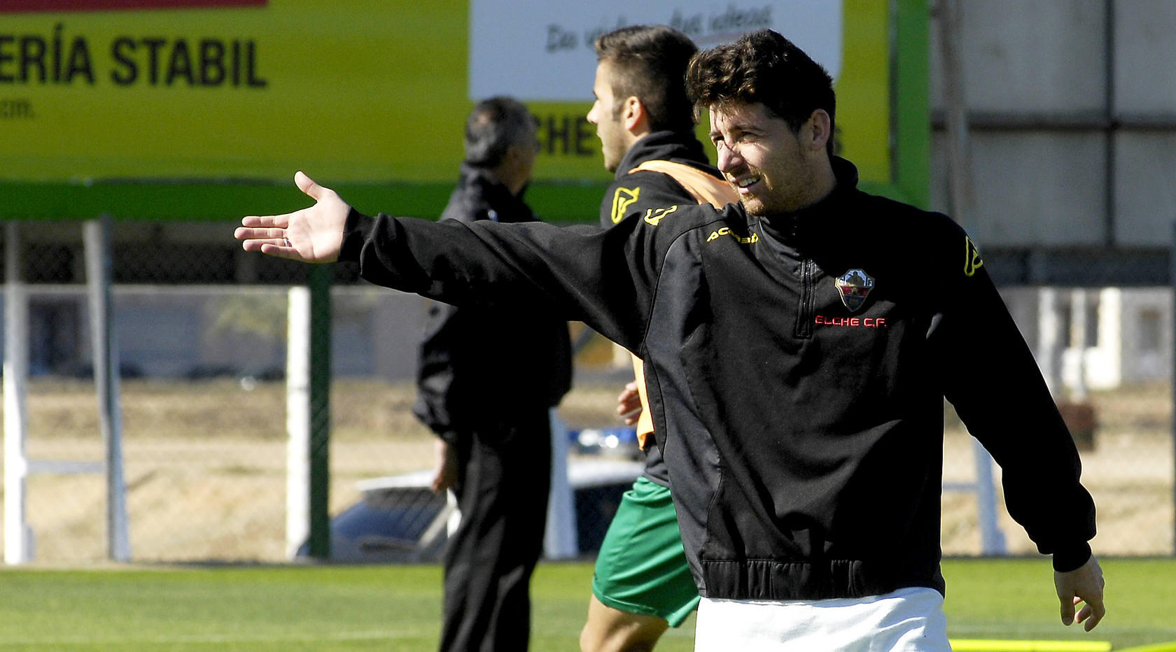 Entrenamiento del Elche C.F. en el campo anexo al Mart&iacute;nez Valero
