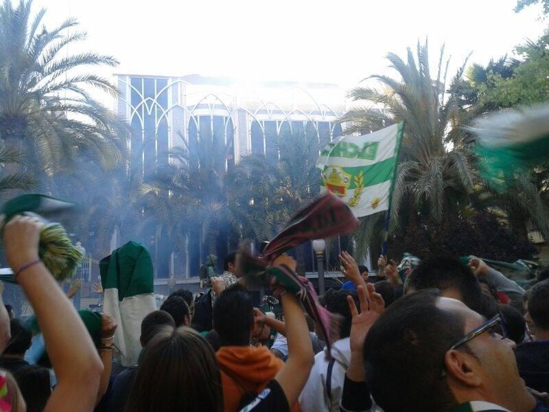 Elche celebra el ascenso en la Glorieta