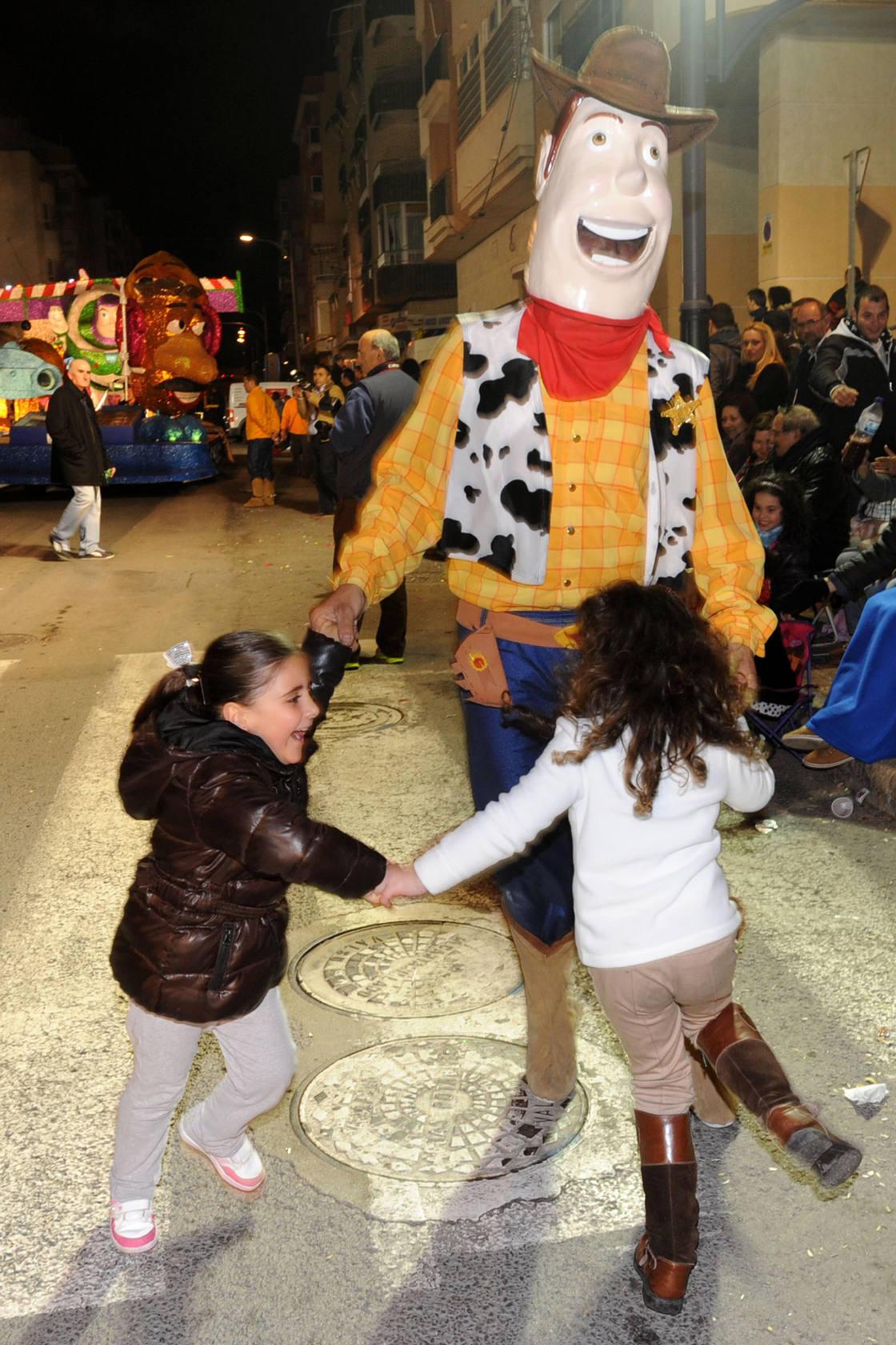 Águilas se despide del Carnaval con sátira y coreografías