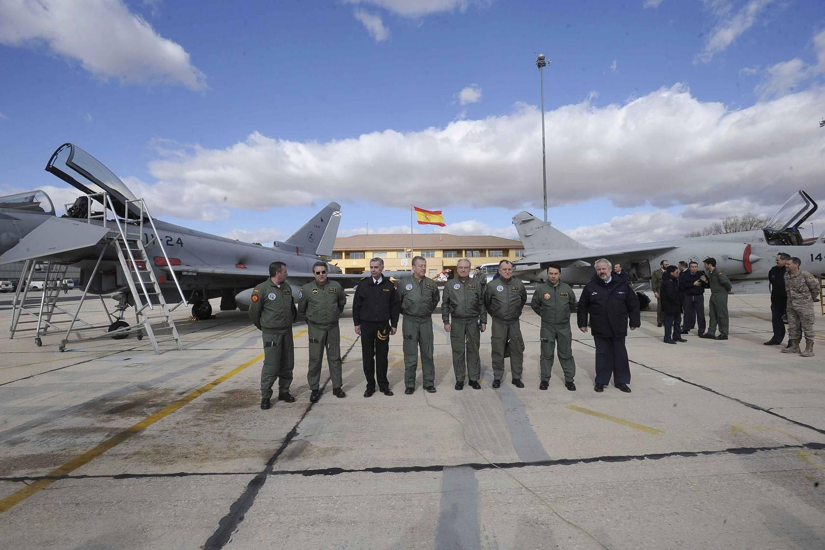 El jefe del Estado Mayor de Defensa visita la Base Aérea de Albacete
