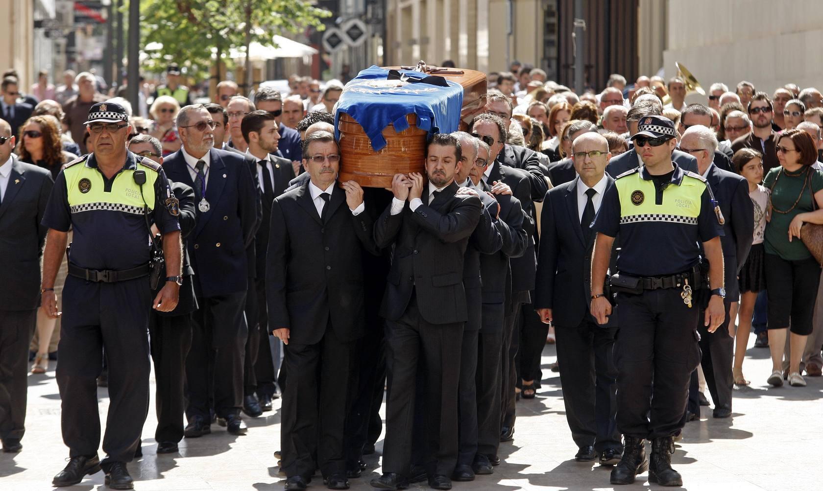 Multitudinario adiós a Manuel Ricarte