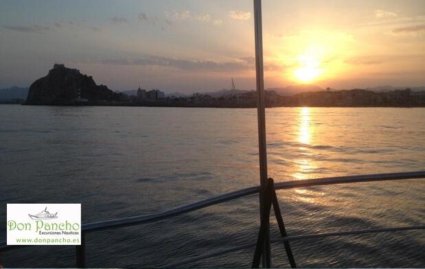 Paseo en barco 90 min en Águilas