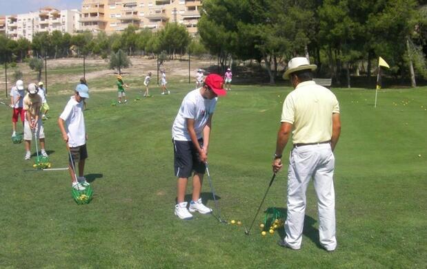 Curso de iniciación al golf en Altorreal