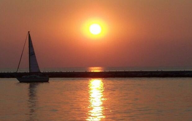 Hotel en Bolnuevo y paseo en catamarán