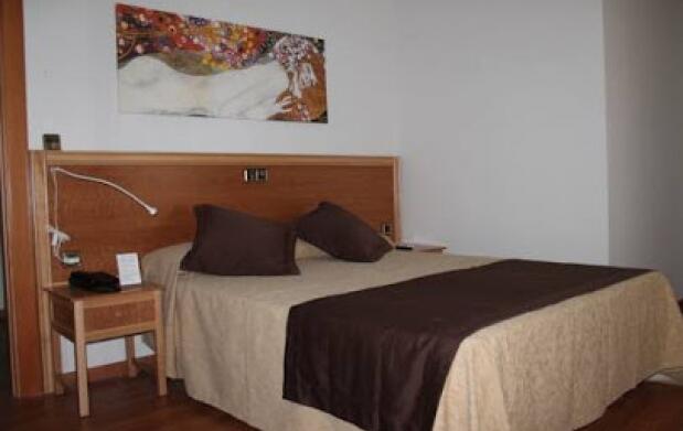 Cáceres : Hotel  3*+ cena para 2