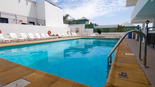 Lanzarote: 5 o 7 noches + vuelo + traslados
