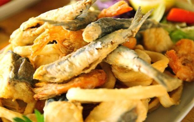 La Manga: Completo menú en el puerto