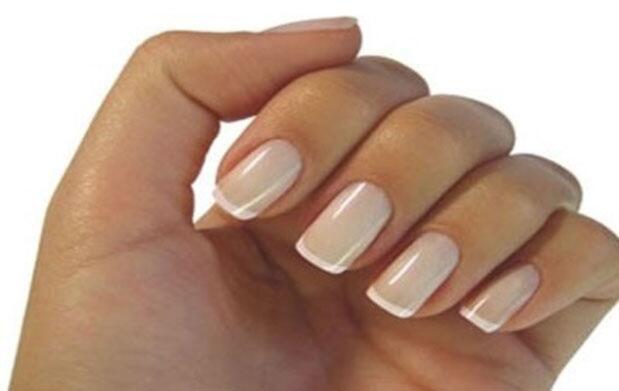 Luce uñas de porcelana