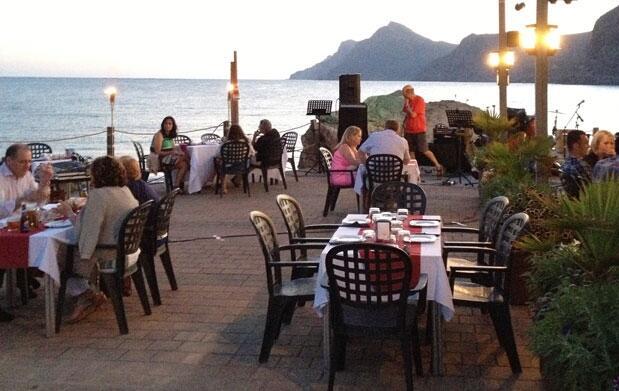 Portman: Cena especial frente al mar