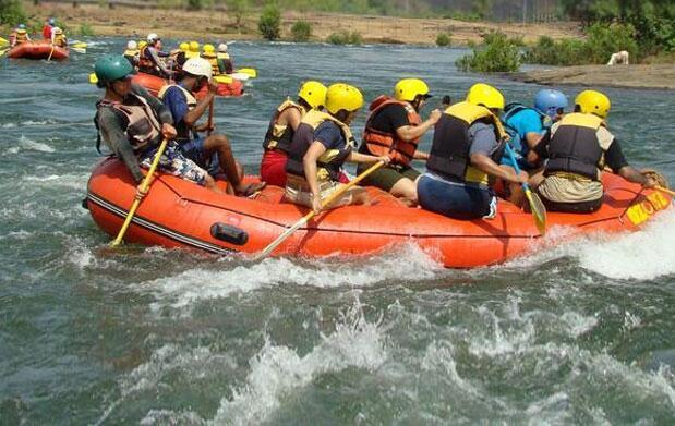Rafting, reportaje fotográfico y almuerzo