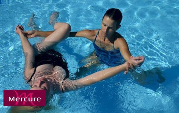 Masaje acuático antiestrés y piscinas