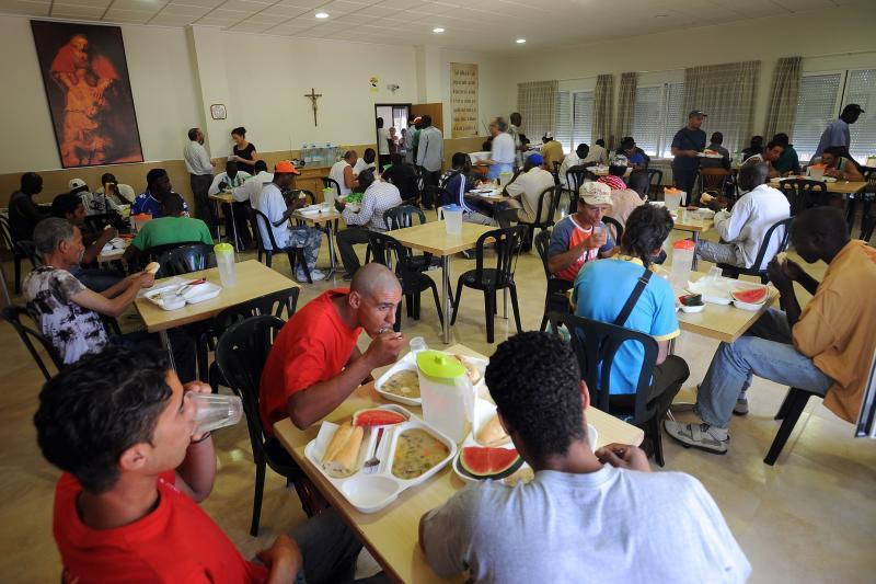 voluntario del comedor social del cotolengo de albacete