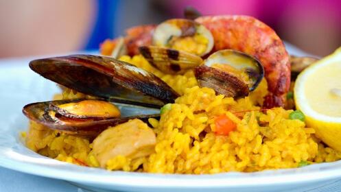 Club Naútico Los Urrutias: Menú con entrante, arroz o caldero, postre y bebida