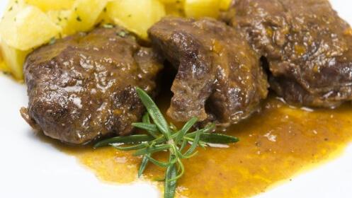 Cantina Príncipe de Asturias: completo menú por 15€