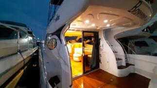 Escapada romántica a bordo de un yate de lujo