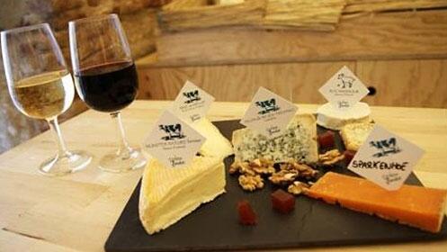Taller: Vuelta a España en 8 quesos y su maridaje con bebidas populares