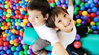 5 horas de parque de bolas para 2 niños + 2 helados La Jijonenca