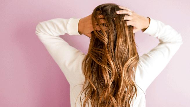 Sesión de peluquería con alisado a elegir, masaje, corte de puntas y peinado